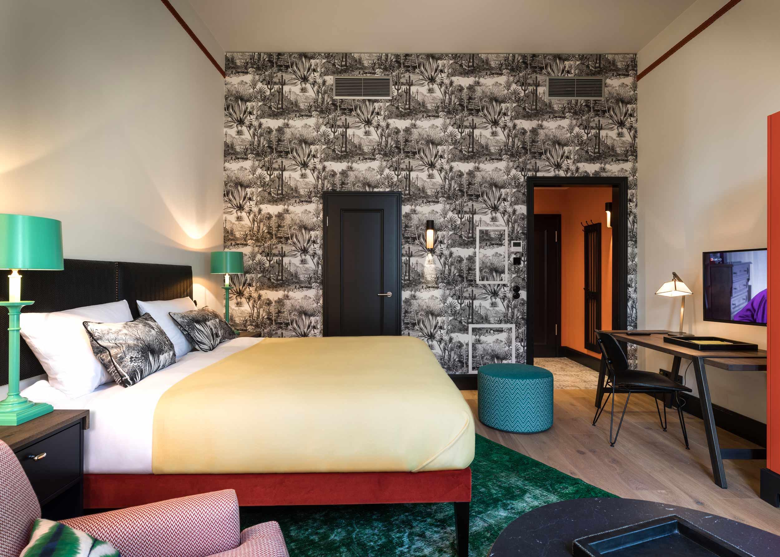 hamburg studio apartments apartment decorating ideas. Black Bedroom Furniture Sets. Home Design Ideas